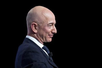 亚马逊盘后股价飙涨贝索斯身家15分钟增132亿美元